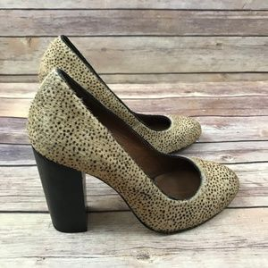 Juicy Couture Tan Brown Calf Hair Round Toe Heels